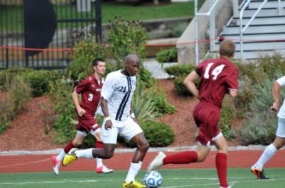 Men's soccer bounces back from loss, defeats Albertus Magnus