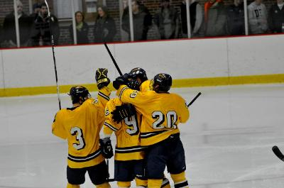 Men's hockey get great start to season with win over Assumption college
