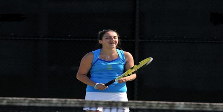 Women's Tennis Break Into the