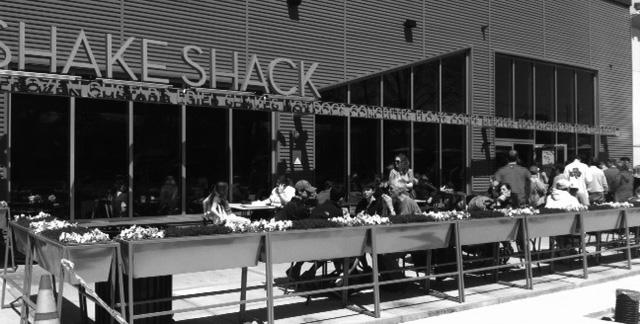 New York Citys famed Shake Shack sets up shop in Boston