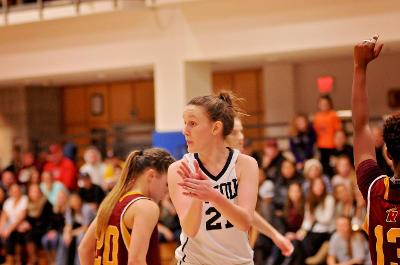 Women's basketball tops Anna Maria, improves conference record