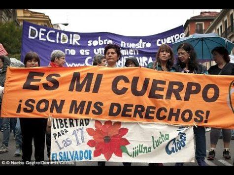 El Salvador woman receives pardon for miscarriage