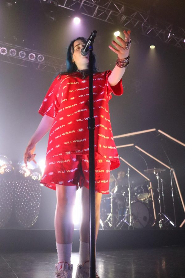 16-year-old+Billie+Eilish+dominates+House+of+Blues+with+an+energetic+show