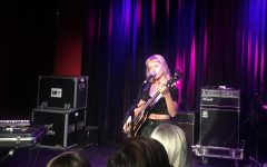 Alice Phoebe Lou evokes emotion during concert at The Red Room at Cafe 939
