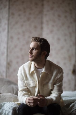 Album Review: Broadway's Ben Platt embraces personal side on 'Sing To Me Instead'
