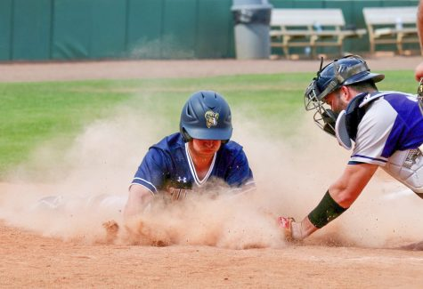 Medina dominates in blue and gold