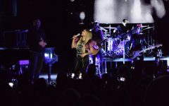 Avril Lavigne fills Orpheum with teenage nostalgia through set list of punk-pop chart toppers