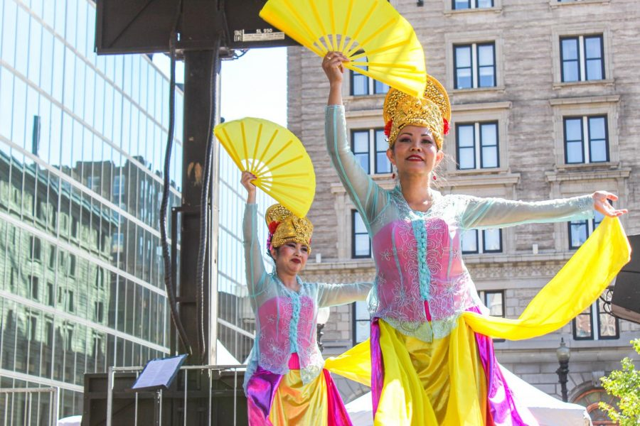 Asmaradana dancers perform at IndoFest 2019, photo by Amy Koczera/World News Editor