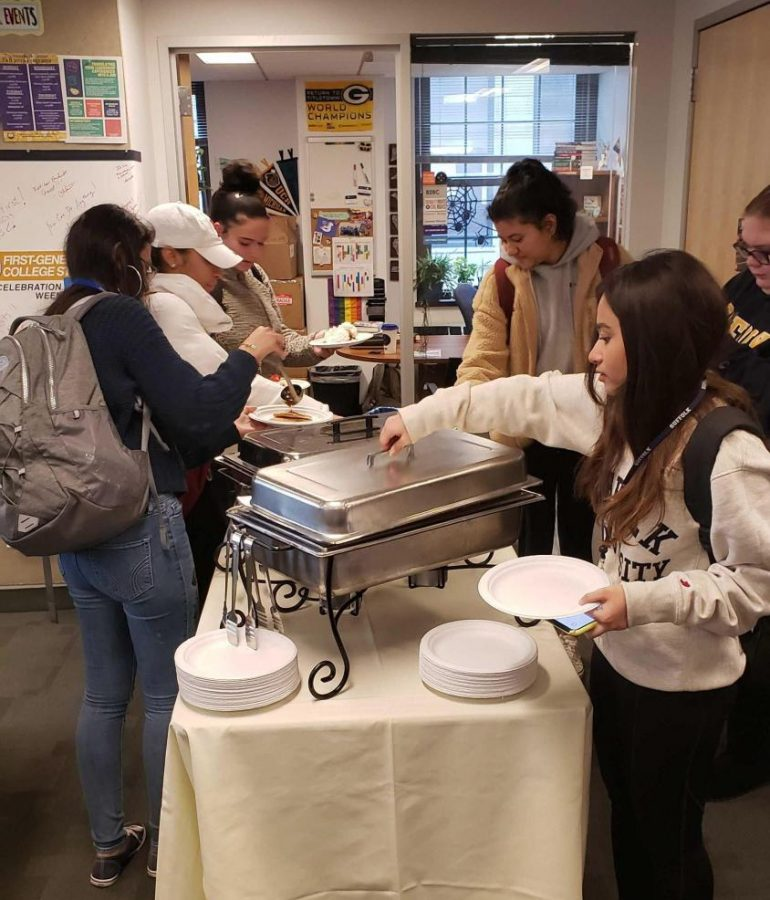 Students+eat+pancakes+at+the+First-Gen+%E2%80%9CI%0AFlippin%E2%80%99+Think+You%E2%80%99re+Amazing%E2%80%9D+breakfast