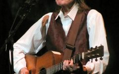 Gordon Lightfoot steps back into the music scene with warm and simple folk album