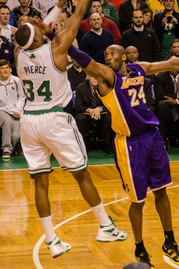Lakers tie Celtics for most championships in NBA history