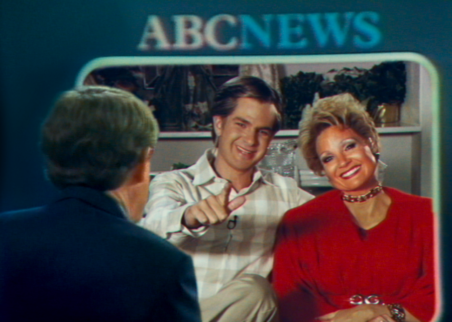 Andrew Garfield as Jim Bakker and Jessica Chastain as Tammy Faye Bakker in the film The Eyes of Tammy Faye.